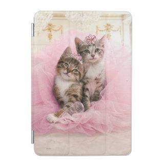 Chatons doux dans les diadèmes et le tutu protection iPad mini