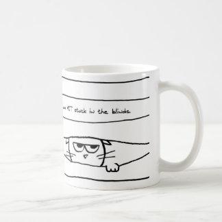 Chats et abat-jour de fenêtre - tasse de café