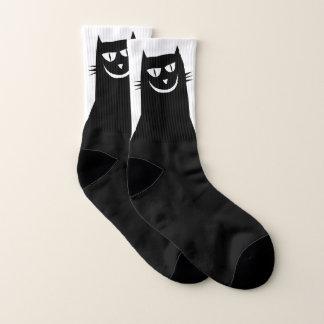 Chaussettes mauvaises de chat noir