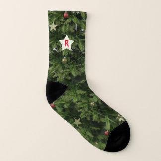 Chaussettes vertes de Noël de monogramme d'étoile