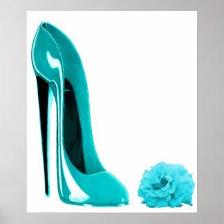 Chaussure stylet de turquoise et copie de rose affiches