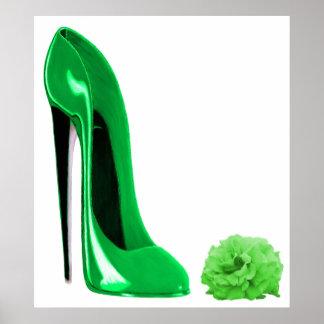 Chaussure stylet de vert vert et copie de rose posters
