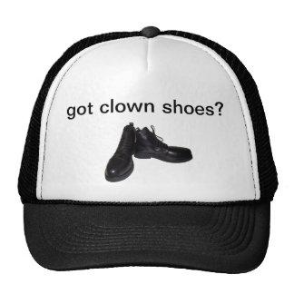 chaussures obtenues de clown ? casquette