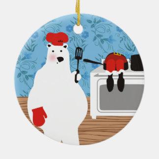 Chef d'ours blanc faisant cuire l'ornement de Noël Ornement Rond En Céramique