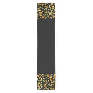 Chemin De Table Court Coureur floral jaune élégant de table de noir de