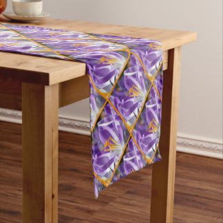 Chemin De Table Court Crocus violet 01.o.P.01 de ressort