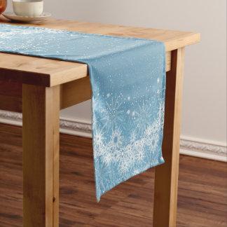 Chemin De Table Court Flocons de neige blancs sur le coureur bleu de