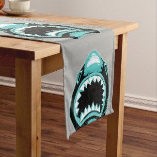 Chemin De Table Court Illustration de vert d'aquarelle de requin