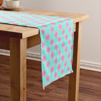 Chemin De Table Court Motif à la mode rose et bleu chic de contrôle