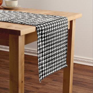 Chemin De Table Court Motif de pied-de-poule en noir et blanc