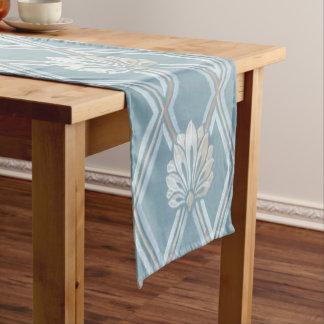 Chemin De Table Court Motif en ivoire de fans de plume de trellis bleu
