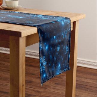 Chemin De Table Long Coureur bleu et lumineux profond de Tableau de