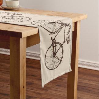 Chemin De Table Long faites du vélo la crème de brun de farine d'avoine