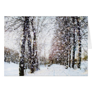 Chemin et arbres dans la carte de paysage de neige