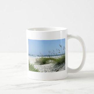 Chemin vers l'île de Mer-Ocracoke Mug
