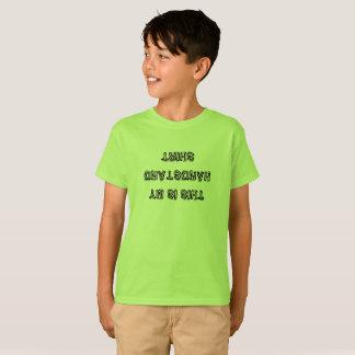 Chemise à l'envers croulante d'appui renversé de t-shirt