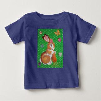 Chemise colorée de lapin de bébé pour des bébés et t-shirt pour bébé