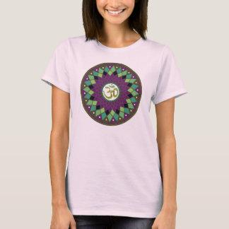 Chemise de dames de mandala de l'OM /AUM T-shirt