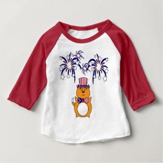 Chemise heureuse de chat de bébé 4 juillet t-shirt pour bébé