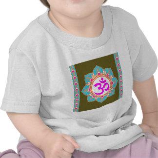 Chemises de MODÈLE CARRÉES T-shirts