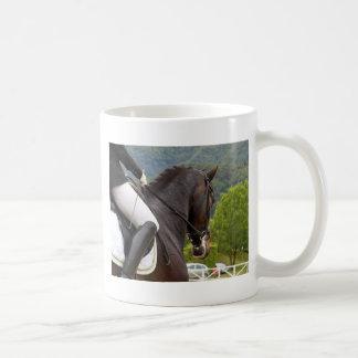 Cheval au Dressage Mug