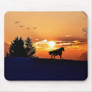 cheval courant - cheval de coucher du soleil - tapis de souris