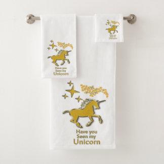Cheval de poney de licorne d'or avec les étoiles