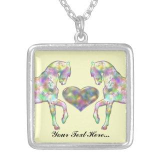 Cheval d'enfants et coeur d'amour pendentif carré