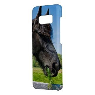cheval frison noir mangeant l'herbe coque Case-Mate samsung galaxy s8