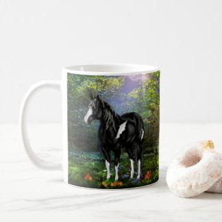 Cheval noir et blanc de peinture d'Overo Mug