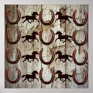 Chevaux et fers à cheval sur les cadeaux en bois d posters