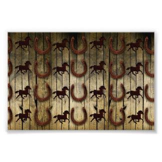 Chevaux et fers à cheval sur les cadeaux en bois tirages photo