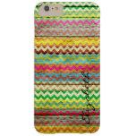 Chevron coloré en bois barre le monogramme coque iPhone 6 plus barely there