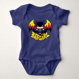 Chibi Batgirl avec l'horizon et le logo de Gotham Body