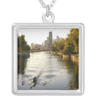 Chicago, l'Illinois, rameurs dans la lagune de Collier