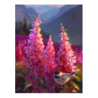 Chickadee sur les fleurs sauvages d'Alaska avec Cartes Postales