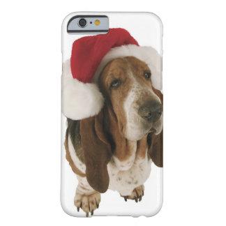 Chien de basset dans le chapeau de Père Noël Coque Barely There iPhone 6