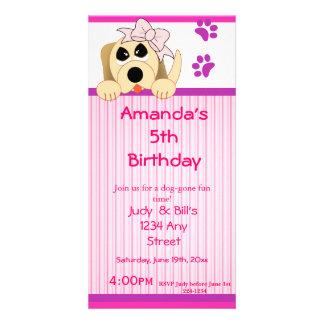 Chien de fille avec l'anniversaire d'arc et de nic cartes de vœux avec photo