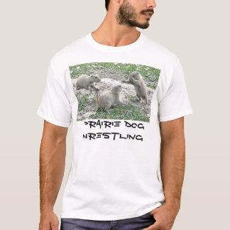 Chien de prairie luttant t-shirt