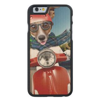 Chien de scooter, cric Russell Coque Carved® iPhone 6 En Érable