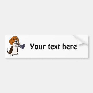 Chien drôle de beagle jouant la trompette autocollant de voiture