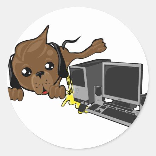 Chien faisant pipi sur le smiley de pc sticker rond zazzle for Pipi de chien sur carrelage