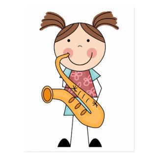 Chiffre fille de bâton avec le saxophone carte postale