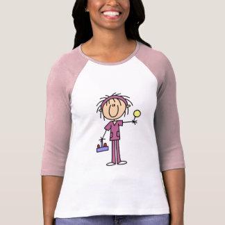 Chiffre infirmière de bâton avec des T-shirts et