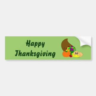 Chiot mignon de thanksgiving avec la corne adhésif pour voiture