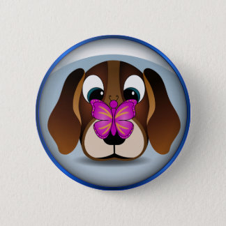 Chiot mignon et papillon de beagle de bande badges