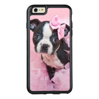Chiot mignon superbe de Boston Terrier portant un Coque OtterBox iPhone 6 Et 6s Plus