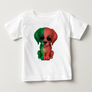 Chiot portugais patriotique mignon de drapeau t-shirts