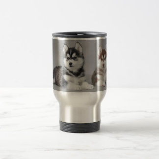 Chiots de chien de traîneau sibérien mug de voyage