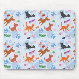 Chiots et chatons tapis de souris